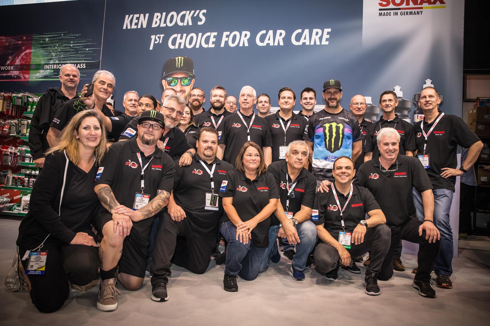 A SONAX teljes csapata a 2019-es SEMA Show-n